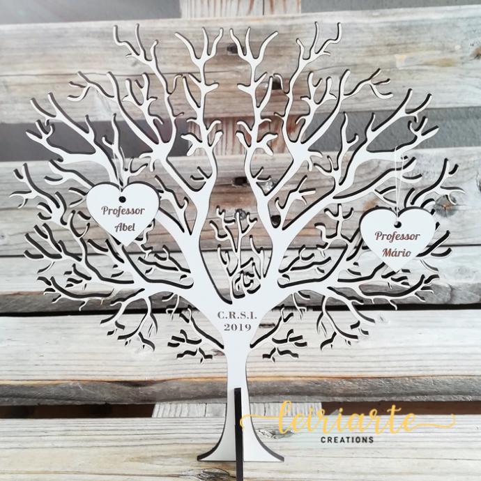 Árvore personalizada com corações - 20 cm