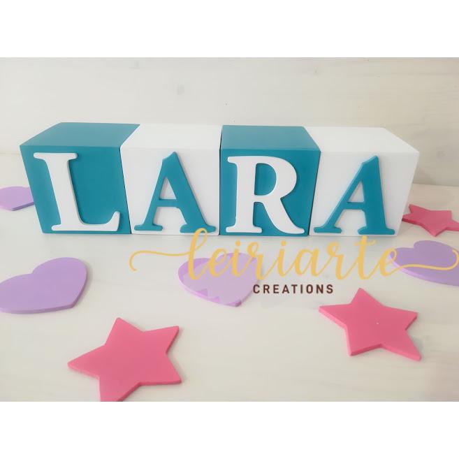 Cubos personalizados com letras